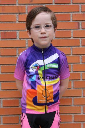 Adrián Gurpegui - Club ciclista Ermitagaña - Categoría Escuelas 2016